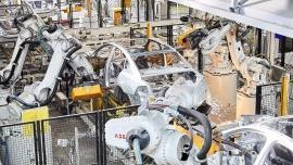 Rynek robotów przemysłowych – rekord goni rekord