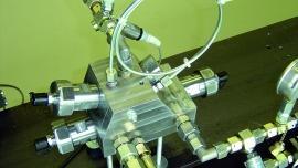 Technika cyfrowa upraszcza konstrukcję napędów elektrohydraulicznych