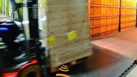 Oszczędność czasu i energii,  sprawny przeładunek – inteligentne rozwiązania w systemach logistycznych firmy Hörmann