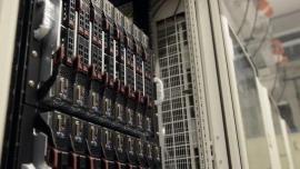 Superkomputer do symulacji wspomaganej sztuczną inteligencją