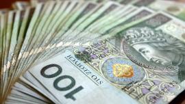 Przewalutowanie kredytów walutowych na koszt banków może naruszać konstytucję
