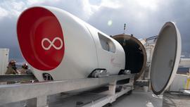 Hyperloop przewiózł już pierwszych pasażerów