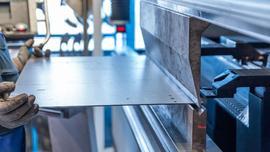 Obróbka plastyczna metalu – rodzaje, metody, maszyny, producenci [PRZEGLĄD RYNKU]