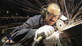 W branży produkcyjnej i nie tylko brakuje wykwalifikowanych pracowników